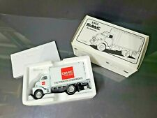 1952 GMC Cargo Truck / Diecast 1:34 *New in box (rare GMC red logo version)