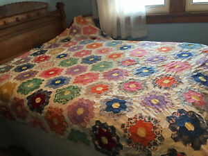 "Antique 1930s-1940s Hand Sewn Grandmother's Flower Garden Quilt Top 90"" X 74"""