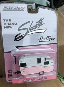 Greenlight  Hobby Exclusive 15' Shasta Airflyte   Camper.   pink & White