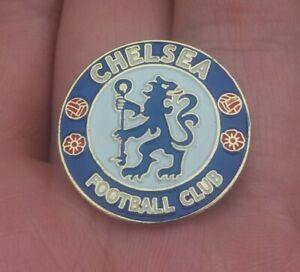 CHELSEA FOOTBALL CLUB ROUND PIN BADGE VGC