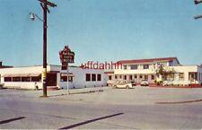 RED ROBIN MOTEL & CAFE, Off Hiway 101 SOUTH ARCATA, CA. circa 1960