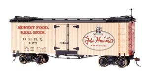 Bachmann Spectrum ON30 Scale Billboard Reefer-John Harvard's Brewhouse 27467