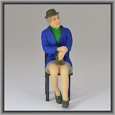 Dingler Handbemalte Figur Polyresin Spur 1 Frau sitzend, blaue Jacke (100218-01)