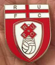 Rotherham Unito St George SCUDO SMALTO pin badge