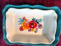 The Pioneer Woman 2-Piece Rectangular Ruffle Top Ceramic Bakeware Set