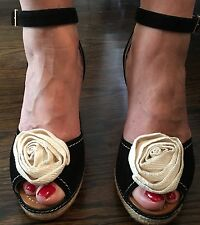 New Kate Spade Women's Hi- Wedge Peep Toe  Sandals With White Flower  Size 10.5