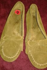 Minnetonka 6 Tan Brown  Leather Moccasins  Slip On Shoes