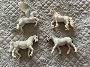 Assortment of Schleich Model Horses Collectable