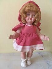 Jolie petite poupée  Bella  ,le petit chaperon rouge