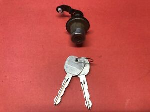 2004-2007 SATURN ION TRUNK LID DOOR LOCK CYLINDER 2 KEYS USED OEM!