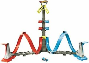 Hot Wheels Loop & Launch Toy Car Trick Play Set with 1 Car and 2 Ramps GRW39 NEW