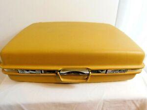E3 - J. C. Penney Co. Aspen by Samsonite Large Yellow Vintage Hard Suitcase