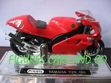 MOTO GP 1/18  YAMAHA 500 YZR CARLOS CHECA #7 2000  SAICO AVEC SOCLE D'EXPOSITION