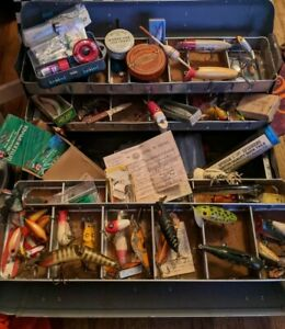 Vintage Fishing Lures & Tackle Box Lots Of Extras Grandfathers Fish Box Full!