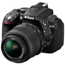 Nikon D5300+18-55 mm f/3.5-5.6 VR + 40 GB di memoria libera Nuovo di Zecca