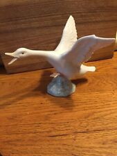 lladro swan Or Duck figurine 6x4 Inch Tall Excellent Condition