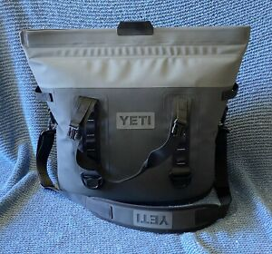 Yeti Hopper M30 Soft Cooler w/Strap Charcoal Gray Great Shape!! No Tags