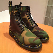 VINTAGE RARE 1980s CAMOUFLAGE DR MARTENS SIZE 5 BOOTS 1460 MADE IN ENGLAND VEGAN