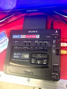 Sony Digital Hi8 Video8 Player Recorder GV-D200
