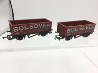 Hornby R136 OO Gauge Long Wheelbase Wagon Bolsover x2
