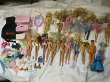 lotto di BAMBOLA BARBIE KEN + altre bambole karate vintage accessori abiti per