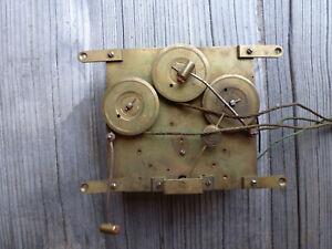 Antikes Uhrwerk altes Uhrwerk Uhr Wanduhr als Ersatzteiträger
