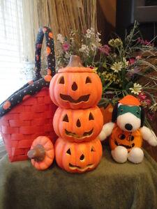 Halloween Decoration School home office 9 pc Pumpkins Basket snoopy Vintage