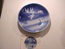 Vintage1975 THE UGLY DUCKLING Blue Porcelain PLATE SVEND JENSEN DENMARK