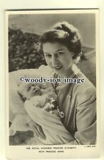 r0482 - Princess Elizabeth with her baby daughter Princess Anne - postcard