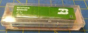 Roundhouse 8235 N Scale 50' Combo Door Box Car Kit Burlington Northern