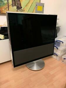 Bang & Olufsen / B&O BeoVision 11 - 40 Full HD LCD TV With Motorised  FloorStand