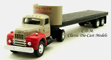 IH R-190 Tractor w/32' Flatbed Trailer HO 1/87 Scale Classic Metal Works 31184