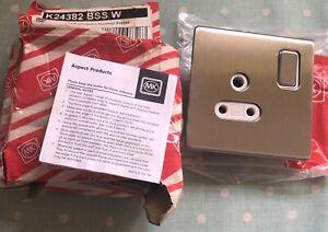 MK Aspect K24382 BSS B Single DP 5 amp Shuttered Switched Socket ( New )