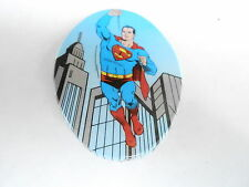 VINTAGE PINBACK BUTTON #73-067- OVAL - SUPERMAN FLYING