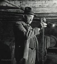 1955 Vintage WINEMAKER Man Wine Vino Paris France Photo Art ROBERT DOISNEAU 8x10