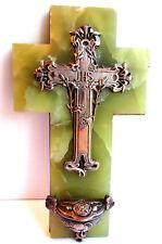SUPERBE Bénitier Art Nouveau Jugendstil, crucifix sur onyx verte, Lys et Pavots