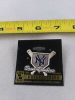 Vintage BRONX BOMBERS New York Yankees Baseball pin button pinback *EE78