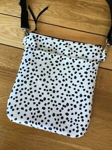 Cross body bag - new - HANDMADE with Dotty Oilcloth