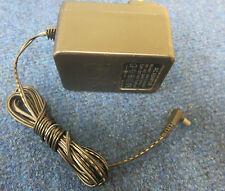 Generico JAD-121000F Adattatore di alimentazione CA spina UK Caricatore 12 V 1000 mA