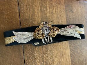 """80s 90s Belt Waist Gold Silver Suede Black Small 26/28"""""""