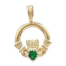 9 KT Oro Claddagh con smeraldo zirconi Ciondolo 0.59 G