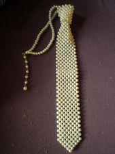 Schicke Perlen - Krawatte - Perlmutfarben ca. 33 cm Lang + 4,5 cm Breit  / NEU