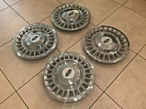 CROWN VICTORIA 16 INCH HUBCAP WITH CENTER CAP VERY NICE CLEAN CONDITION NO DIRT