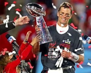 Tom Brady Tampa Bay Buccaneers Super Bowl LV Champions - Unsigned 8x10 Photo