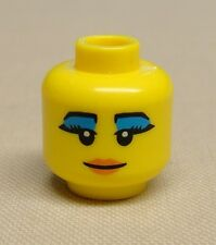 x1 NEW Lego Minifig Head Girl Female Black Eyebrows Blue Mascara Smile Red Lips