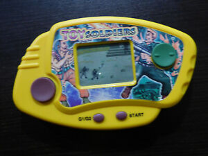 VINTAGE TOY SOLDIERS LCD HANDHELD CONSOLE GAME RARE!