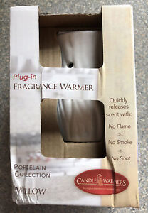 CANDLE WARMERS Willow Plug In Fragrance Warmer New In Box Bonus Wax Melt Pack