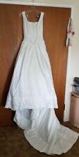 Elegant White Wedding Dress with Embroidered Trim & Large Bustle Bow Prob Sz 6