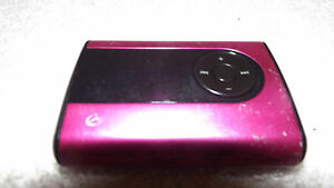 GPX MW240P Digital Audio Player with 2 GB Installed Flash Memory PINK