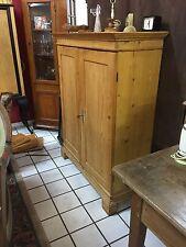 Holz Kleiderschrank/ Dielenschrank Garderobenschrank Kiefer alt Antik Schrank